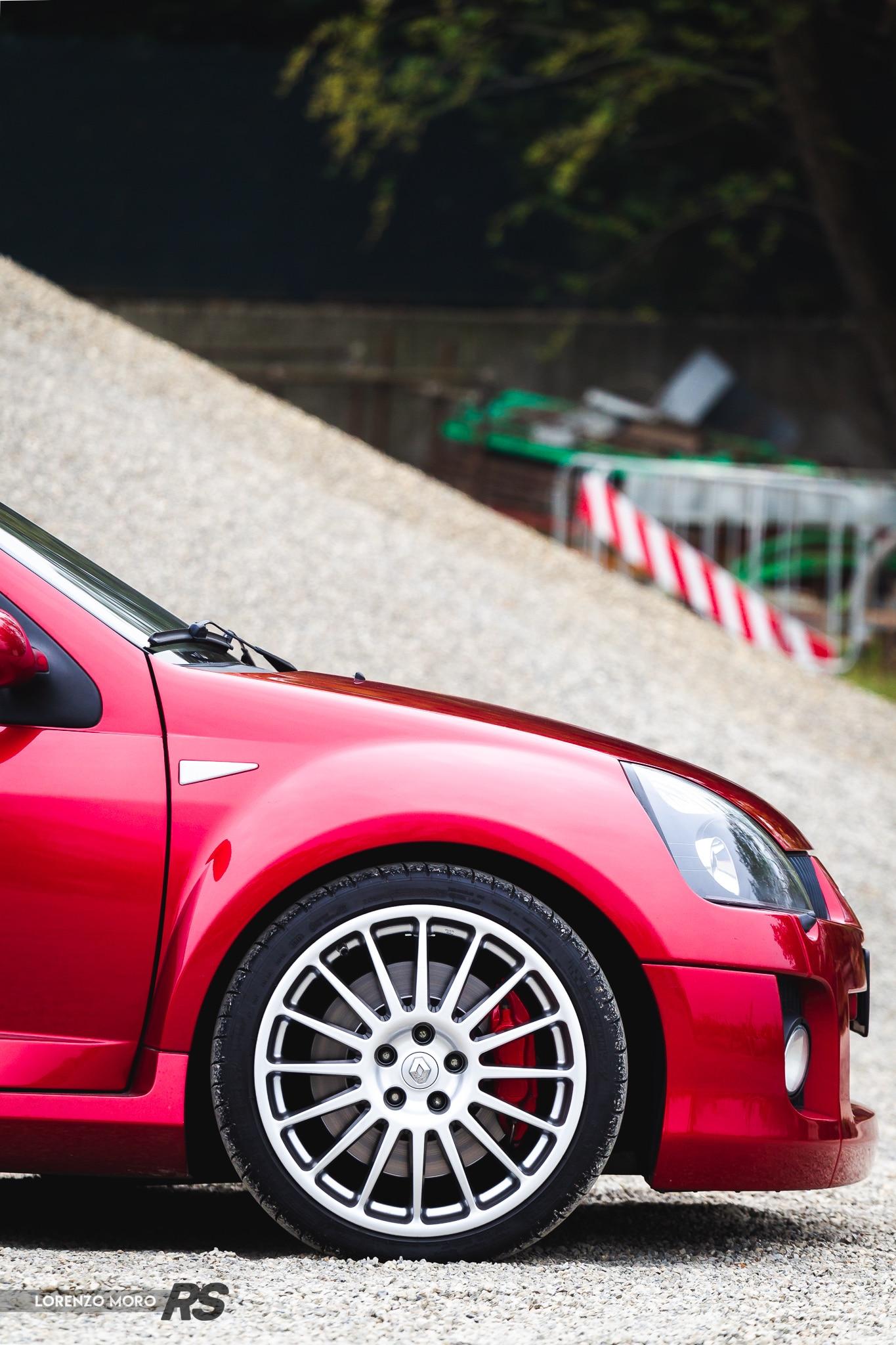 Clio V6 dettaglio